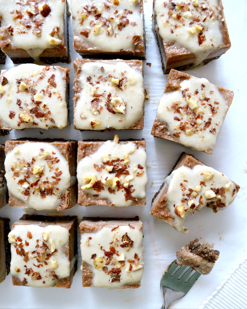 Salted  Caramel  Cinnamon  Roll  Bars